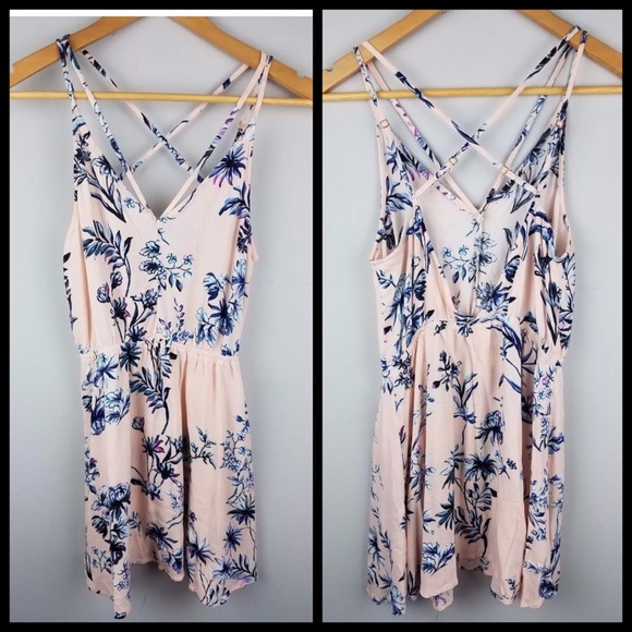 Kendall & Kylie Dresses & Skirts - Kendall and Kylie cute floral strappy dress